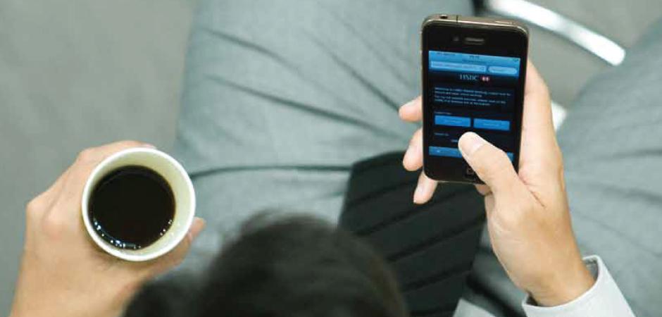 80 proc. właścicieli smartfonów korzysta z aplikacji, z tego 59 proc. z nawigacji