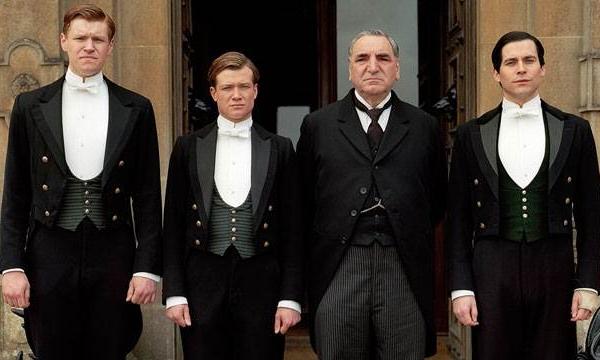 10 zasad przydatnych hotelarzom, których możemy się nauczyć od bohaterów Downton Abbey.