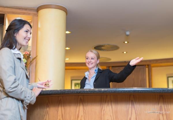 Trudny gość w hotelu – jak sobie z nim poradzić?