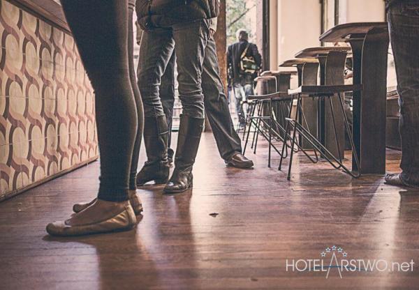 Od czego rozpocząć tworzenie segmentów gości hotelowych?