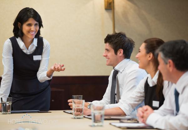 Kompetencje komunikacyjne pracowników hotelu