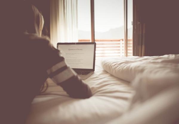 Jak nawiązać skuteczną współpracę hotelu z blogerem?